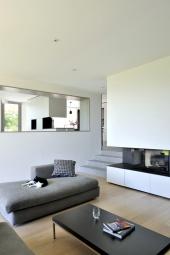 maison-contemporaine-ouest-lyon_salon-cheminee-meuble-boite-interieure